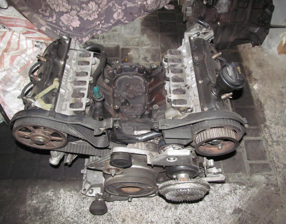 Двигатель, тип AKE